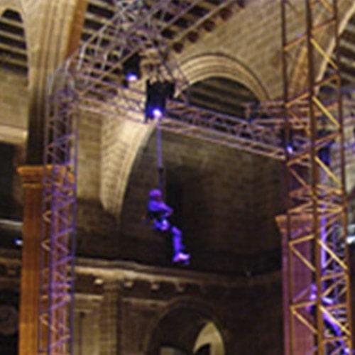Espectáculo, Rigging truss motores estructuras, Soluciones Técnicas de rigging y efectos verticales