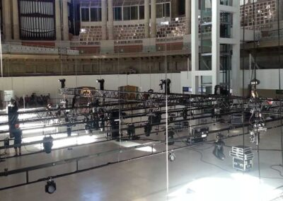 Bailarines suspendidos de Rigging truss motores estructuras, Soluciones Técnicas de rigging y efectos verticales